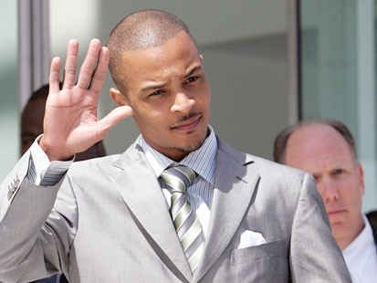 Rapper T.I. outside of court, Courtesy of snicka.com